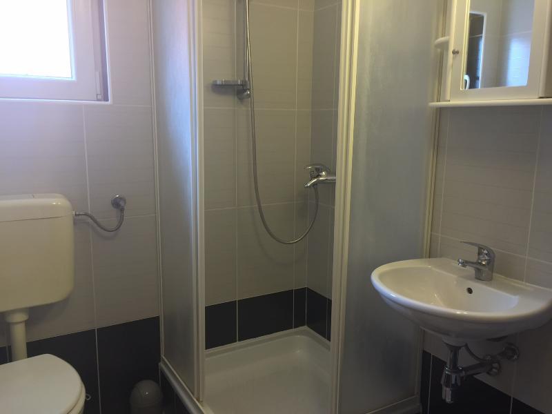 A4 (2 + 2): bagno con wc