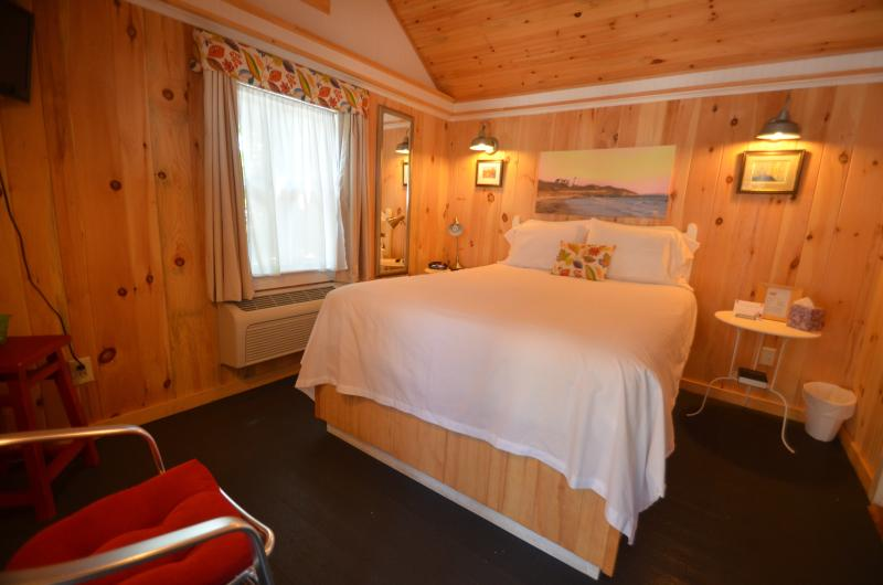 Squam Lake Cabin#7 of 12, for 2-3 Guests, Wolfeboro, near Lake Winnipesaukee, aluguéis de temporada em Wolfeboro