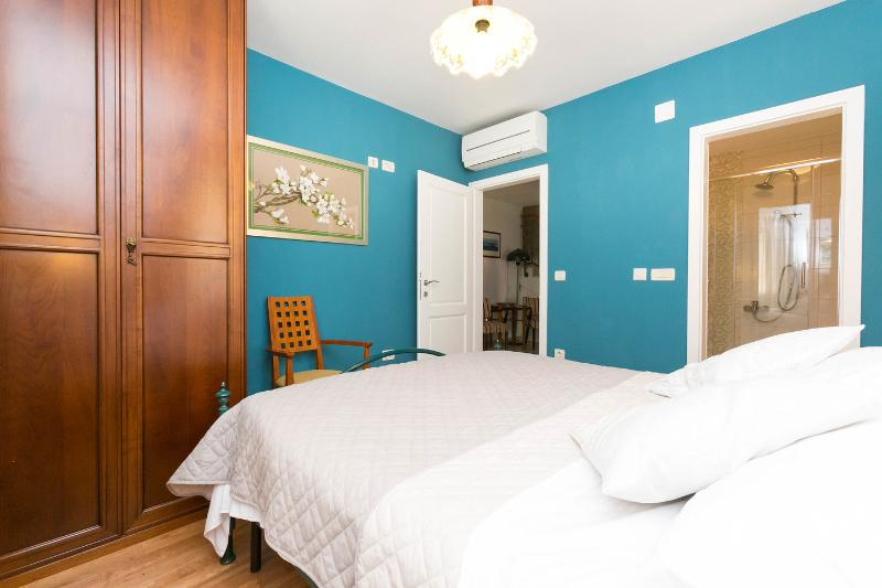 The Queen Bedroom (Second Apartment)