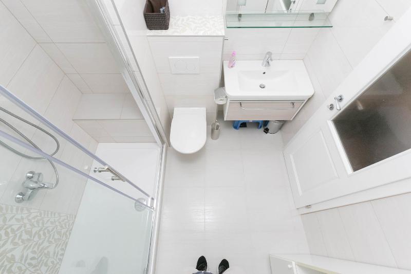 Half Bathroom (Second Apartment)
