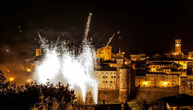 Fireworks during the celebration of May 3 in Anghiari