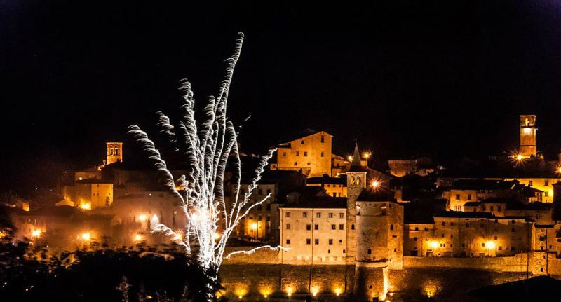 Fireworks on the occasion of 3 may in Anghiari