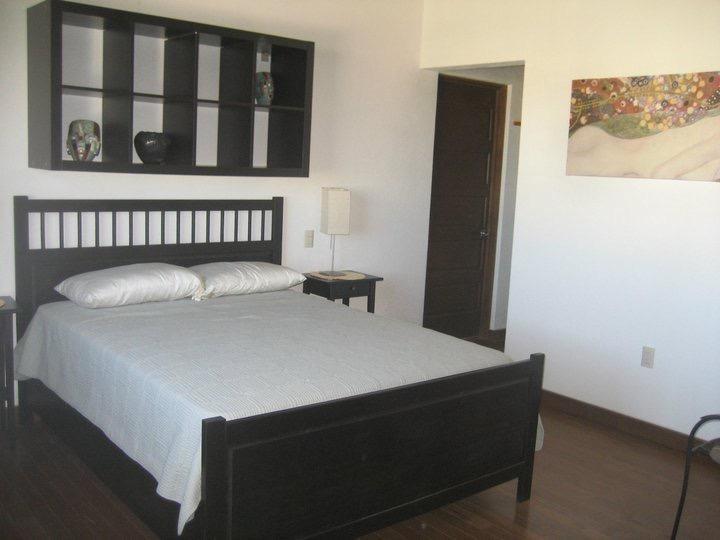 Queen size camera da letto con bagno e ampio ripostiglio