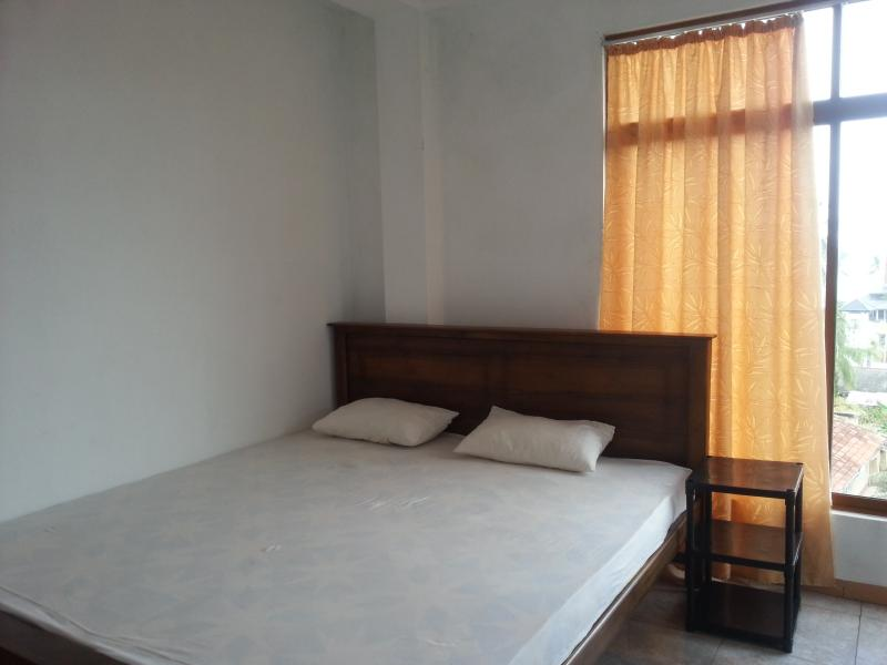 SAGA HOME SUPERIOR ROOM ^, holiday rental in Ambalangoda