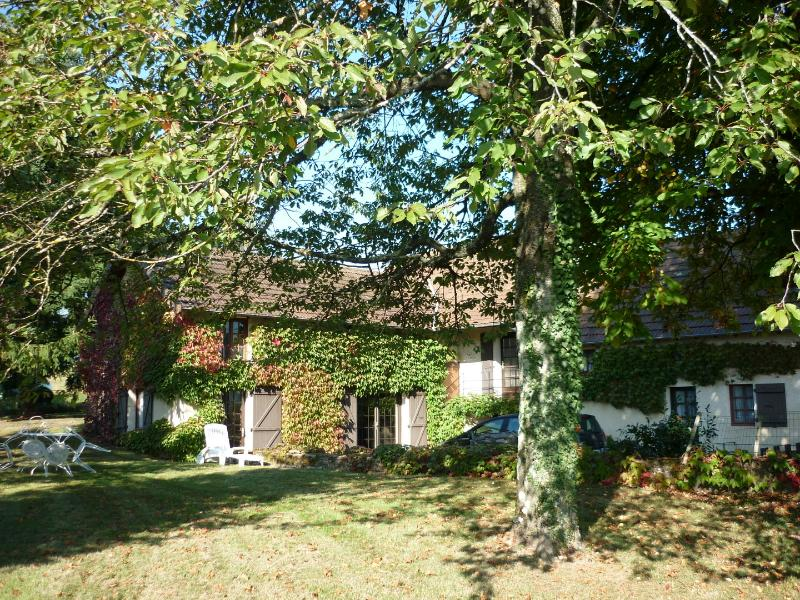 Autumnal ivy covering the 3 bedroom former farmhouse