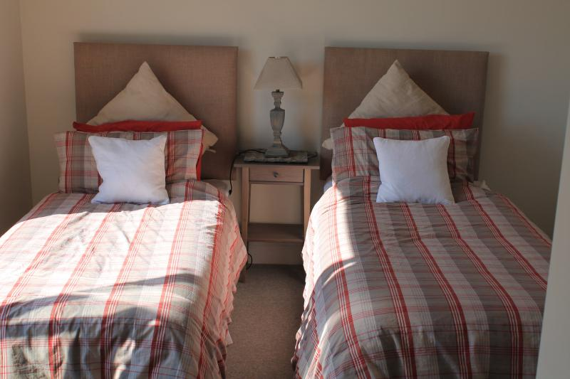 Twin bedroom with en-suite and private balcony