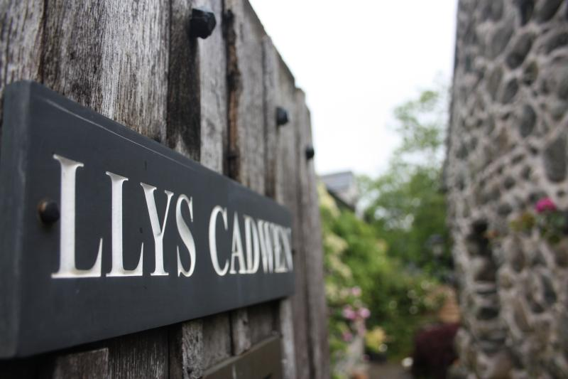 Llys Cadwen is a beautiful grade II listed cottage in Dolgellau, Snowdonia