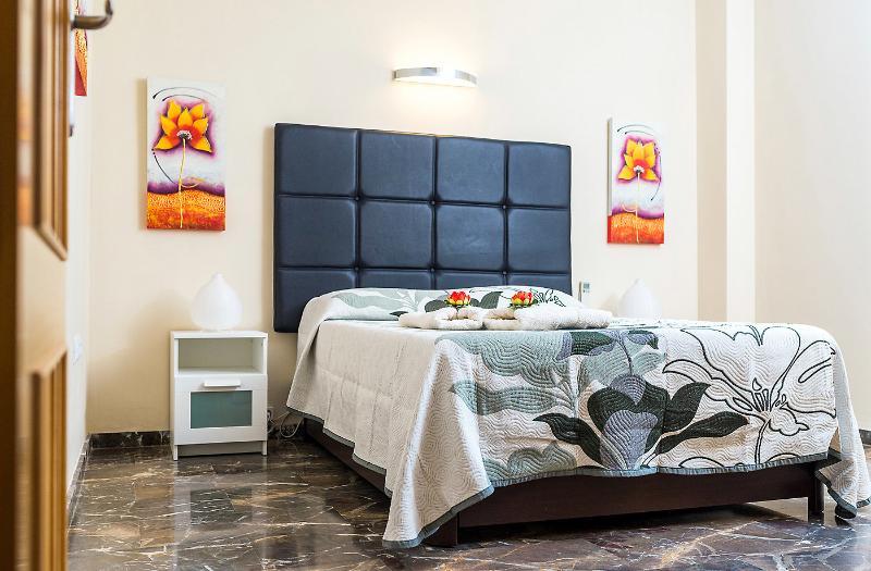 Dettagli di cura bella camera da letto.