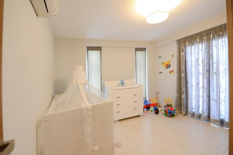 View of childrens room (can be tranformed into 2 bed room)