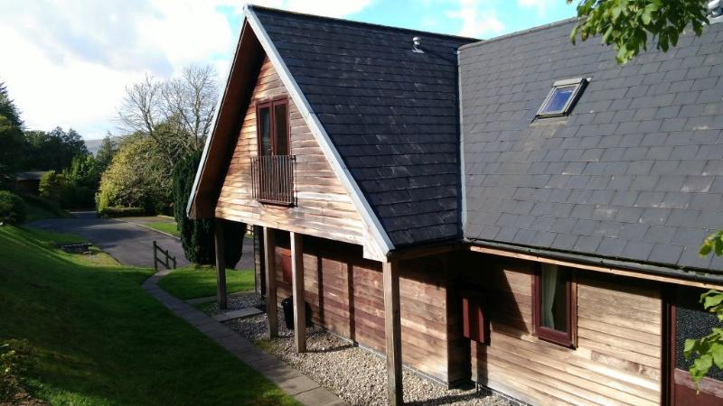 2 bedroom lodge with stunning views over Loch Awe