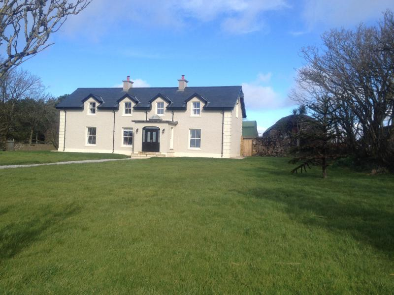 Large house, fantastic for reunions, sea views, mature garden, parking for 8 cars.