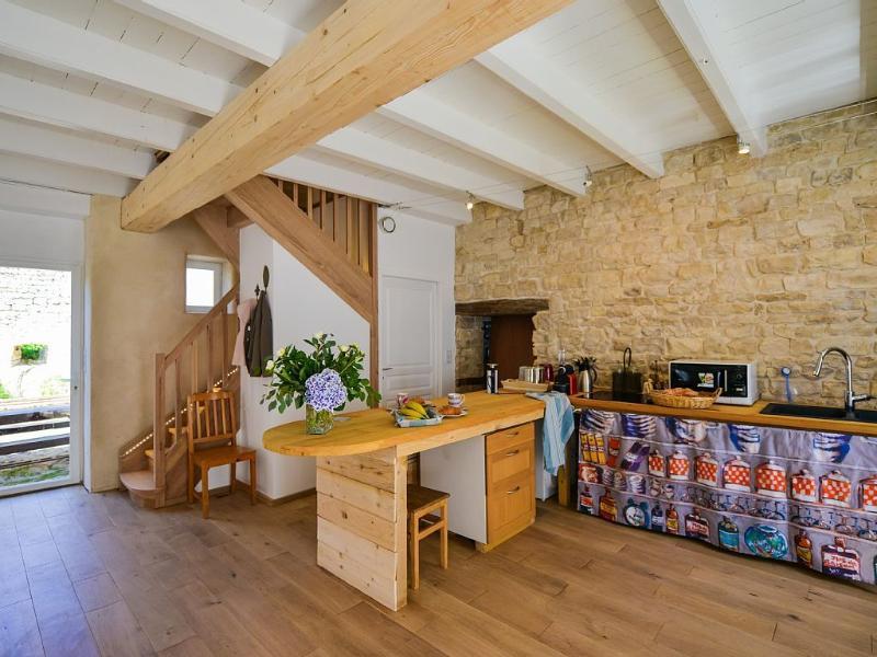Ancien chai restauré entre vignes et mer, holiday rental in Sainte Marie de Re