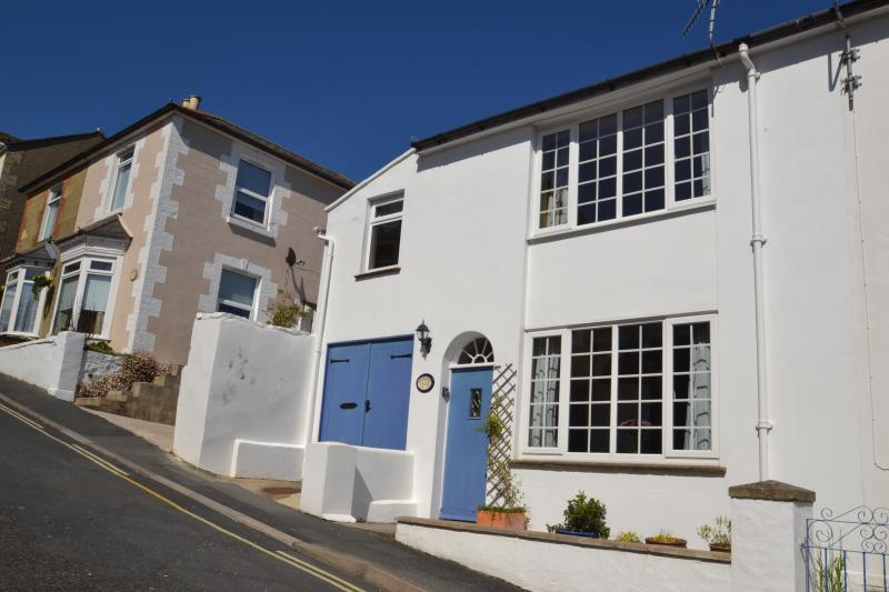 Smugglers - pretty cottage in quiet street in town, with easy access to beach, location de vacances à Ventnor