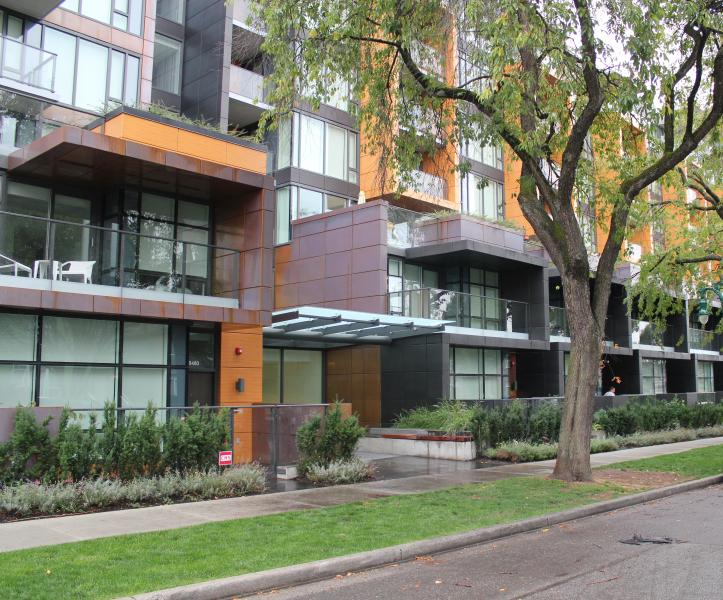 SPECIAL RATE $3000/month! BRAND NEW 2BR+2BH APT (Airport 10min), holiday rental in Caulfeild