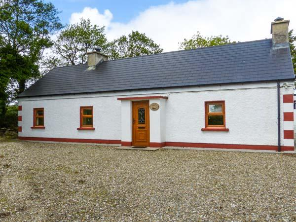 FERRYS, multi-fuel stove, close to the coast and golf, ground floor cottage, holiday rental in Crocknamurleog