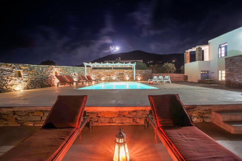 Kea Villa 'Thea'- shared pool, alquiler vacacional en Ceos