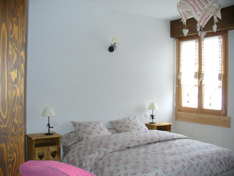 La Grande chambre avec lit de 160 X 200