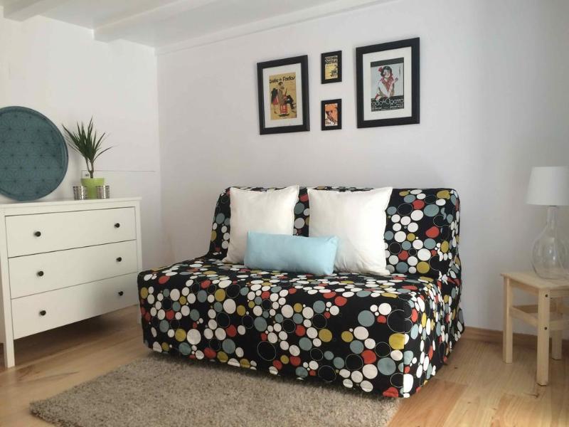 Cozy Suite of Fado in Lisbon Alfama, vacation rental in Barreiro