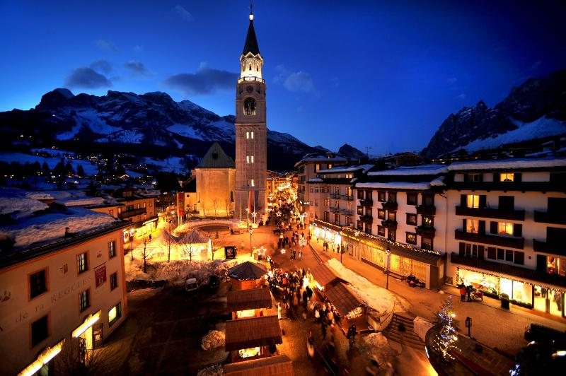 Cortina-Pearl of the Dolomites-winter