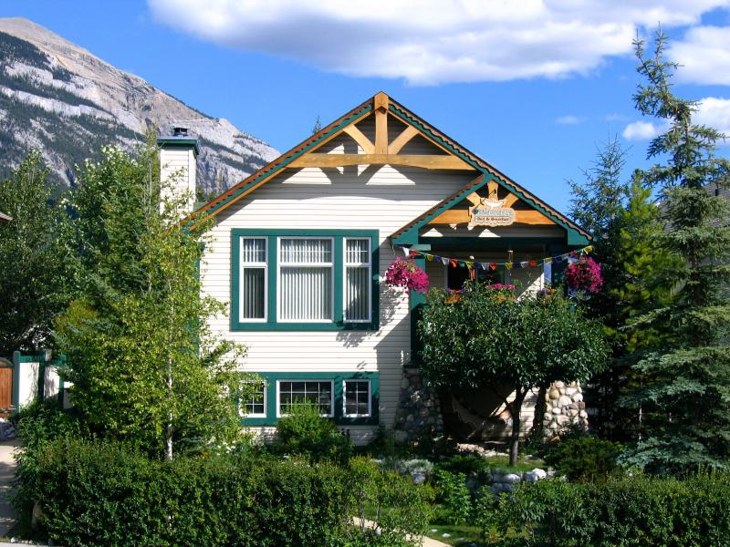 Avens ReNaissance B&B nestled in the town of Canmore amongst the magnificent Canadian Rockies!