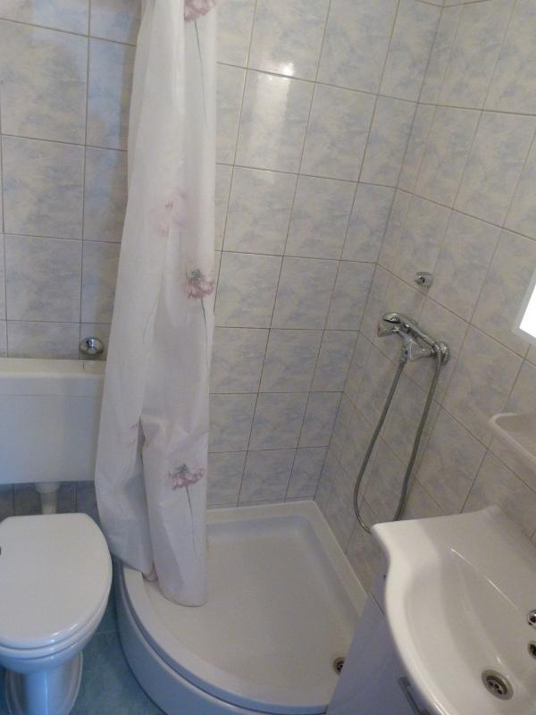 A06 (2 + 2): Badezimmer