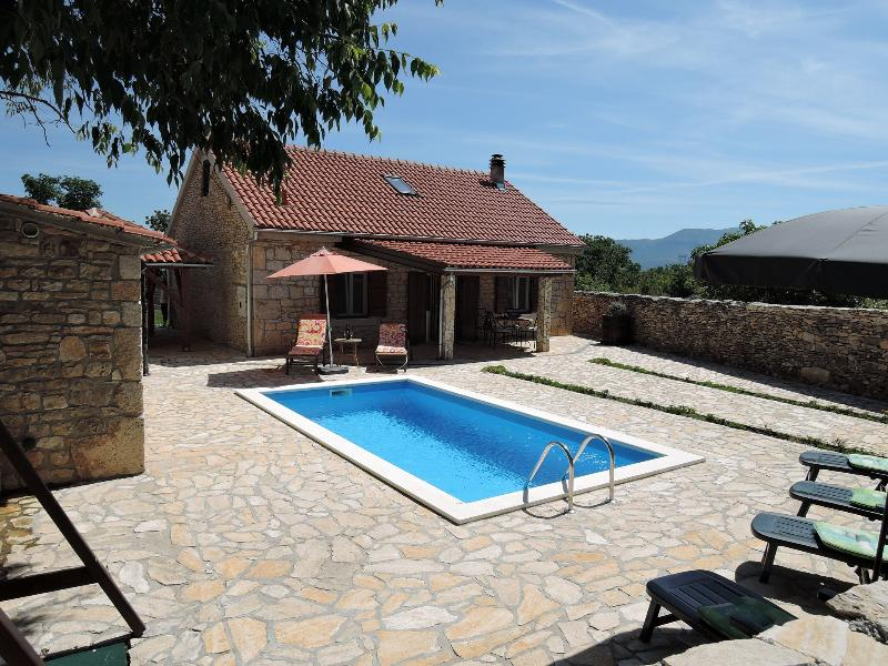 Tihomir - with pool :  H(6+2) - Drnis, vacation rental in Drnis