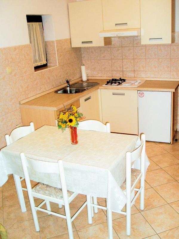 A2 (2 + 2): cucina e sala da pranzo