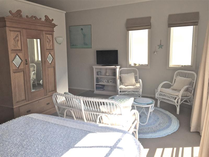 Gorgeous studio room with finishings to make you feel welcome and at home.