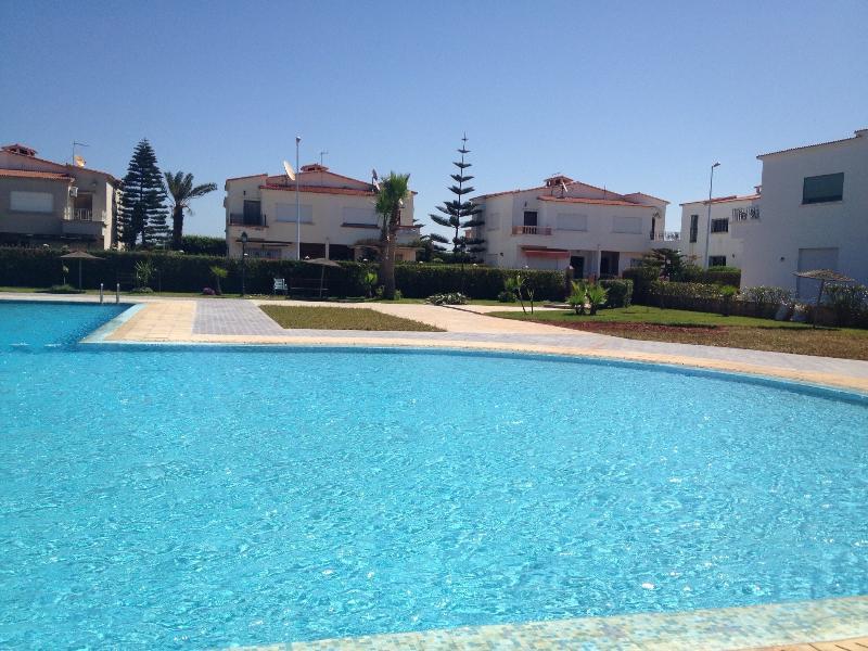 Belle villa dans Complexe Touristique Sécurisé, pied dans l'eau