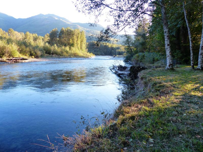 Gateway to North Cascades National Park on the Cascade River, vacation rental in Marblemount