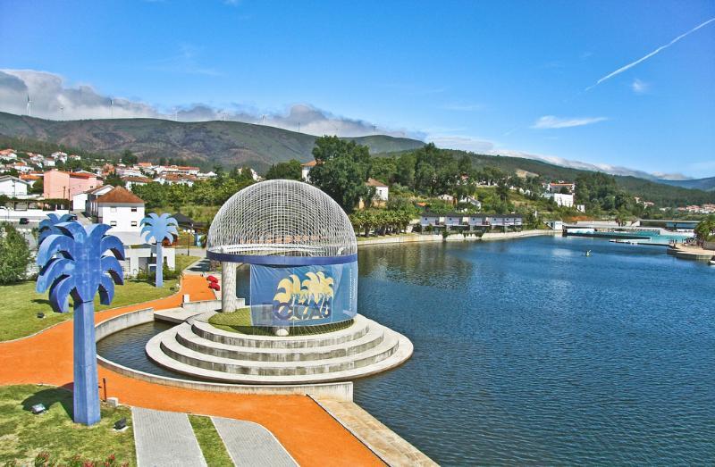 Local town Castanheira de Pêra only 10 minutes away