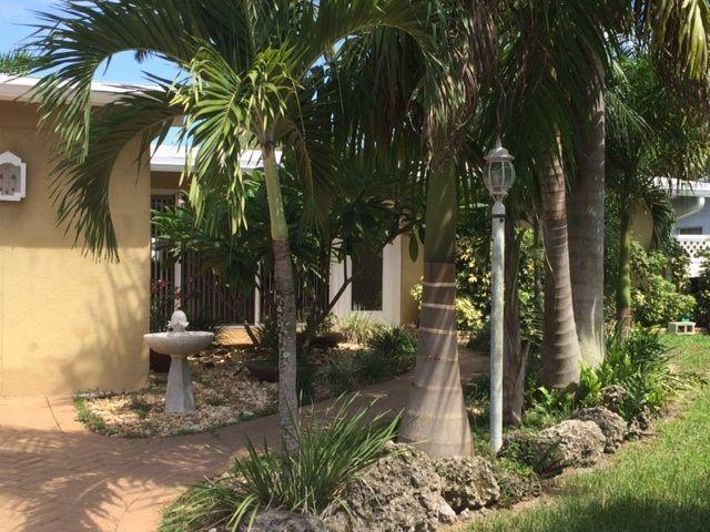 Newly Listed - River Beach, Waterfront, Heated Pool Home, holiday rental in Fort Lauderdale
