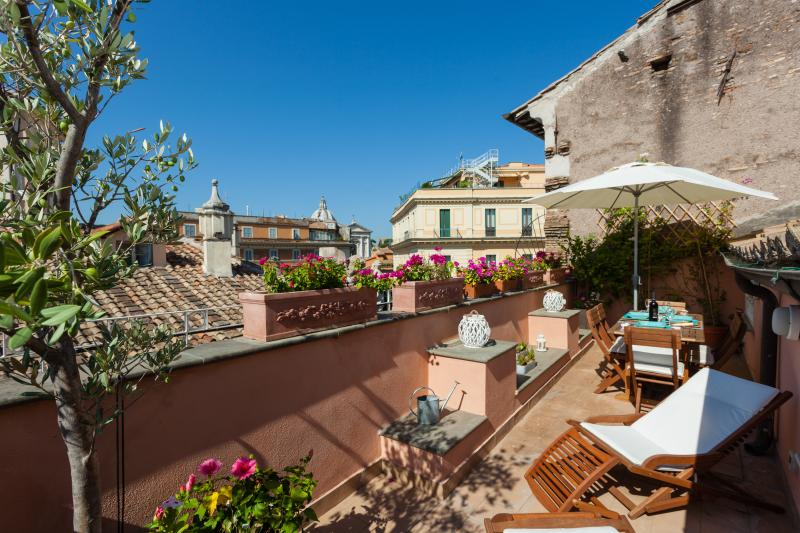 NAVONA, CAMPO DE FIORI - Penthouse Terraced, holiday rental in Rome
