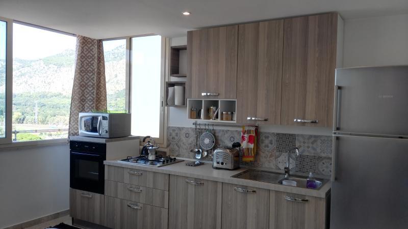 Pusa Guesthouse Palermo Amuri Room, alquiler vacacional en Landro