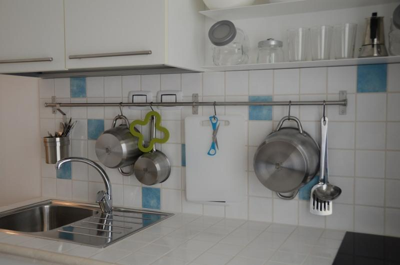 Kitchenette with all the necessary cooking utensils