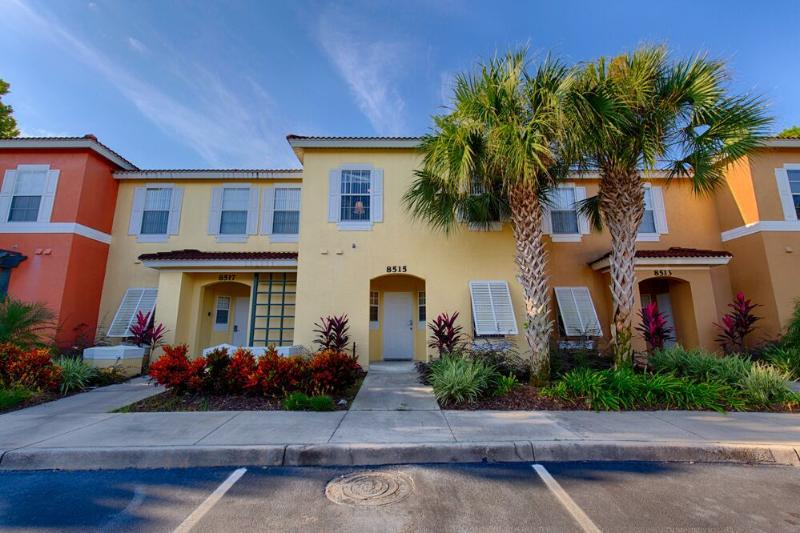 Emerald Island Resort Townhome - 3 miles to Disney World