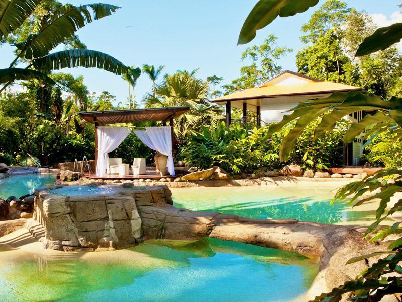 The Luxury private Misty Mountains Rainforest Retreat Blue Lagoon Villa