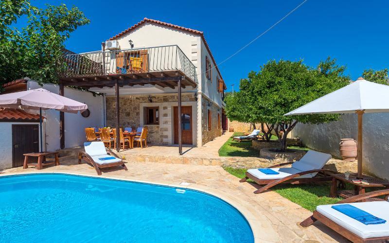 Villa Manolis, location de vacances à Asteri