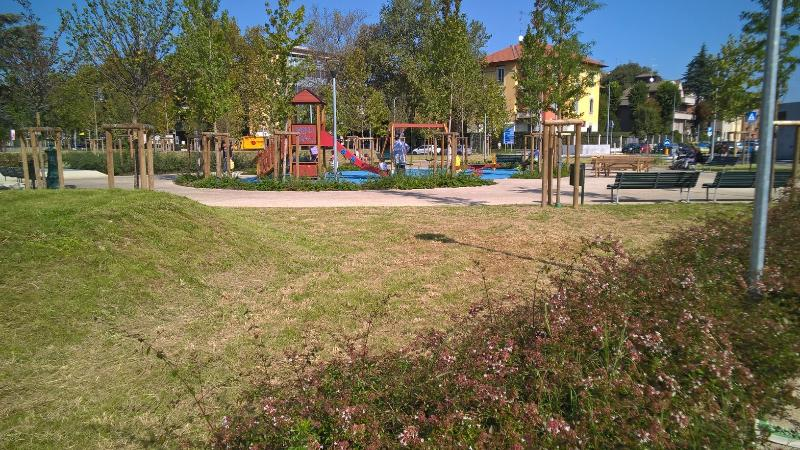 Lot Square Gardens