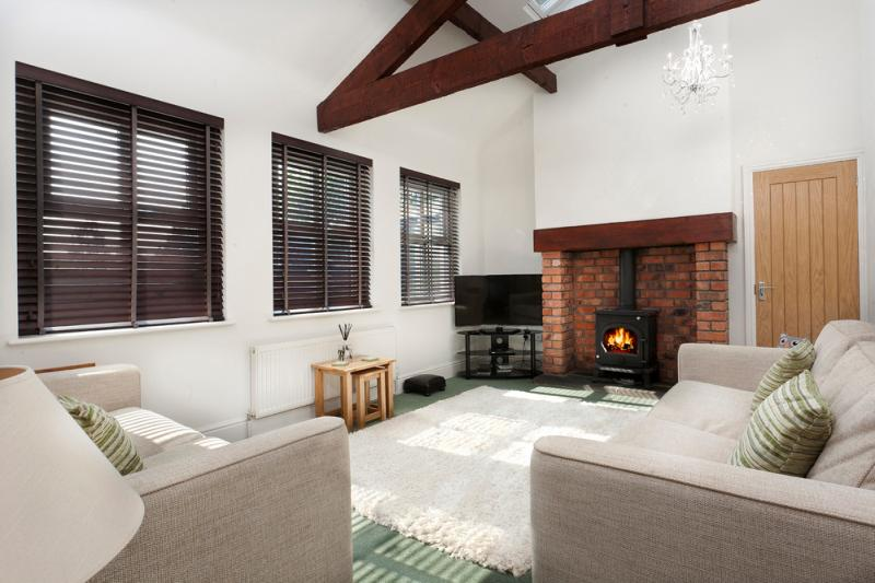 Fellside Luxury Cottage with parking. Lake views, holiday rental in Ambleside