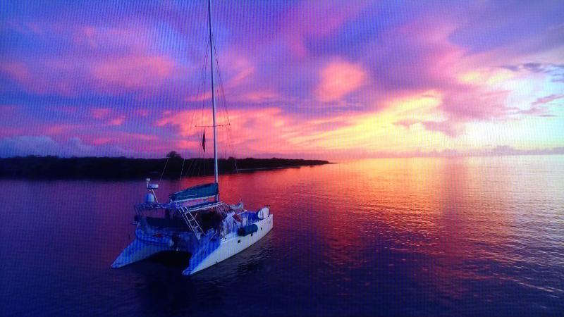 Couchers de soleil épiques rencontrer S/V Tortuga et ses invités au jour le jour « en mer »