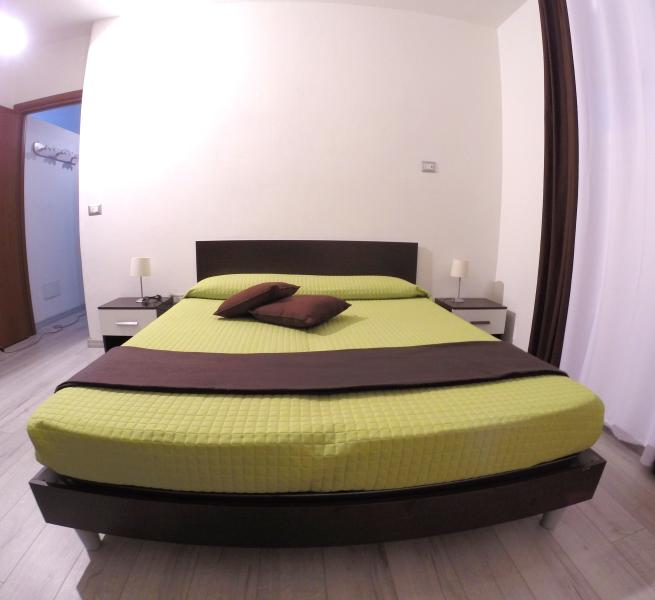 Appartamento in villa con giardino, holiday rental in Valledoria