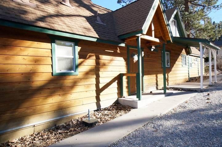 Building,Cabin,Shelter,Cottage,Hut
