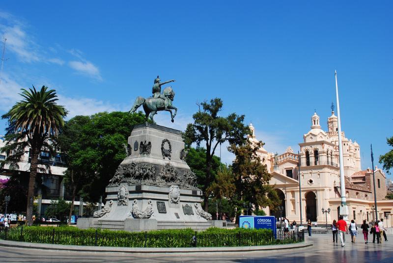 Plaza San Martin, 9 blocks