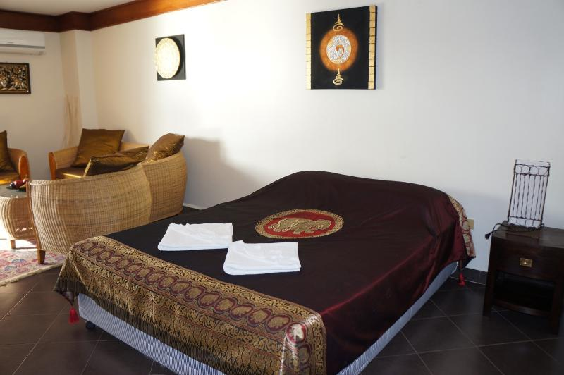 Deluxe Condo in Sea Sand Sun Resort, vacation rental in Rayong