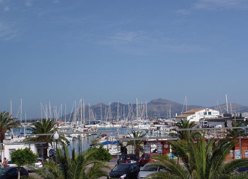 Beachfront apt  Veronica, alquiler de vacaciones en Port de Pollença