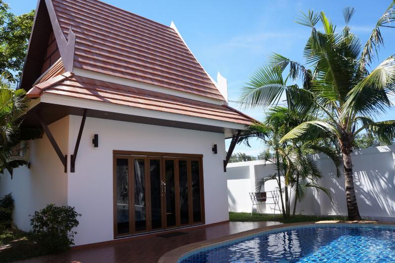 Guest House Oriental Pool Villa, vacation rental in Ban Phe