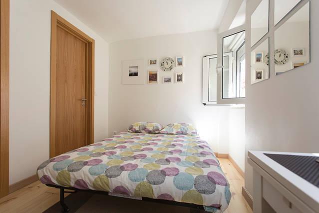 Perfect escape for 2 Lisbon Alfama, vacation rental in Barreiro