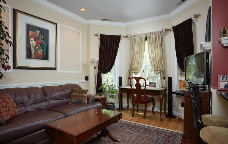 Fully Furnished Apt in Adams Morgan - D.C. (Apt 4), vacation rental in Suitland
