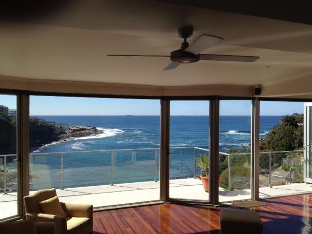 Vista al mar desde la habitación living / familia